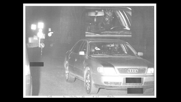 Poliisin valvontakamerasta, [c] Poliisi